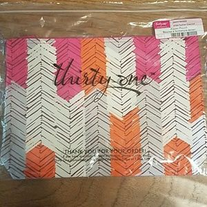 Thirty - One NWT zipper pouch
